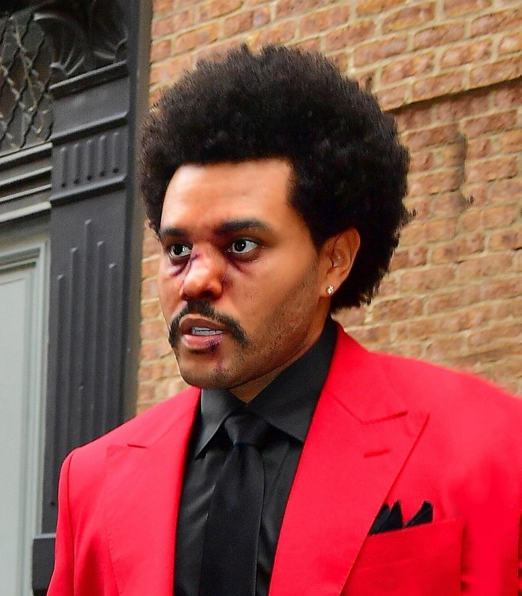 The Weeknd pokazał się z rozciętą wargą i siniakami na twarzy.