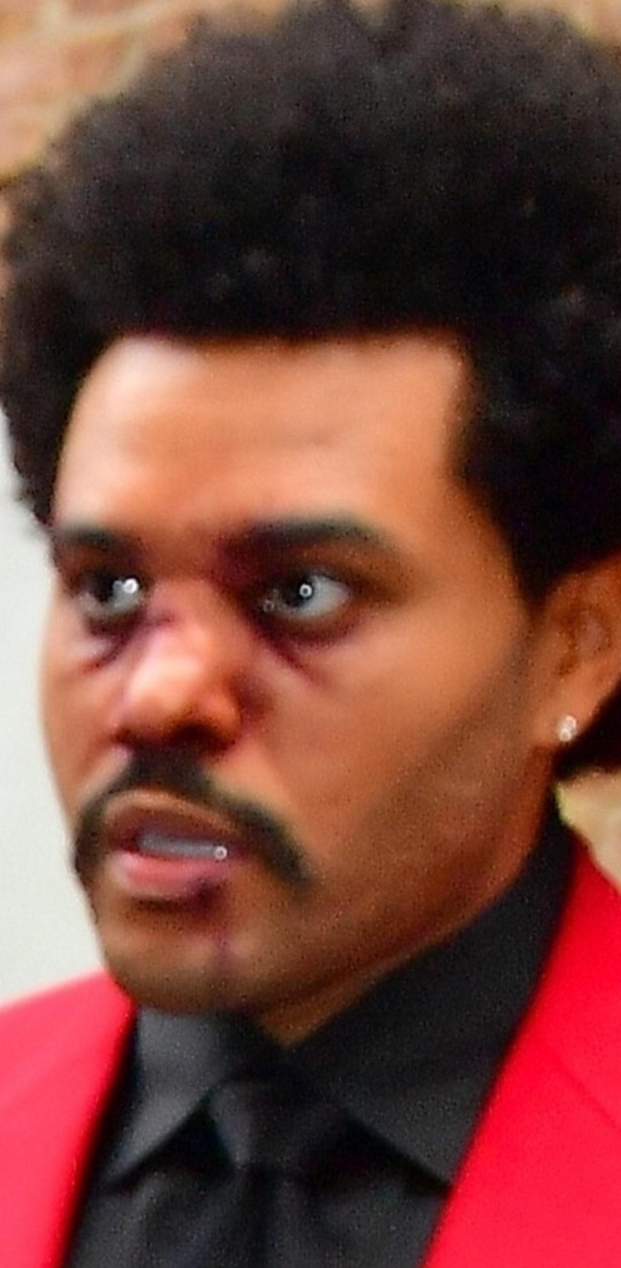 The Weeknd z pokrwawioną twarzą.