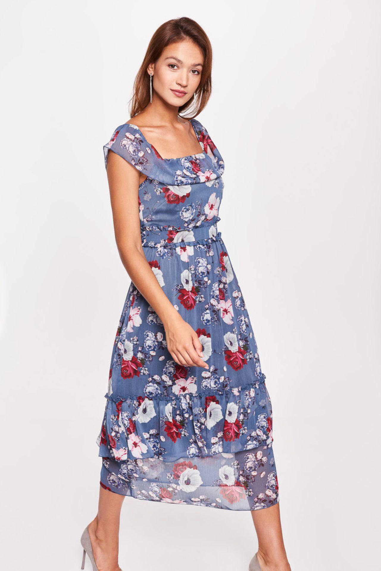 Niebieska sukienka w kwiatki