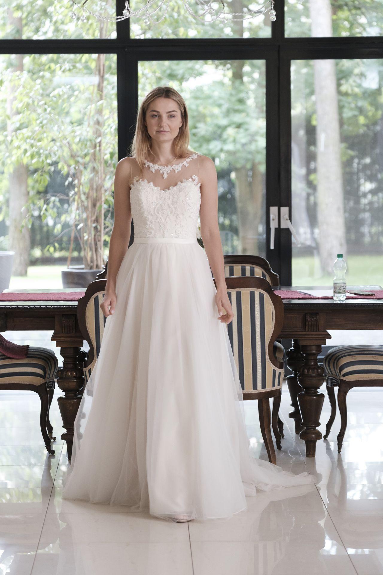 Małgorzata Socha w białej sukni
