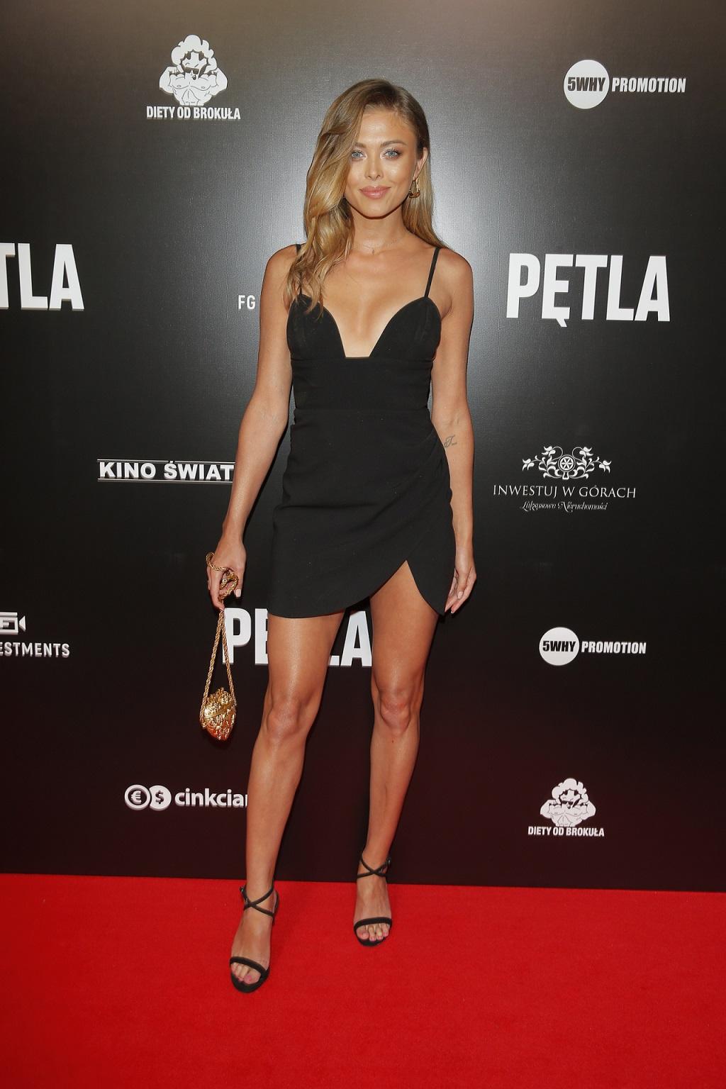 """Joanna Opozda na premierze filmu """"Pętla""""."""