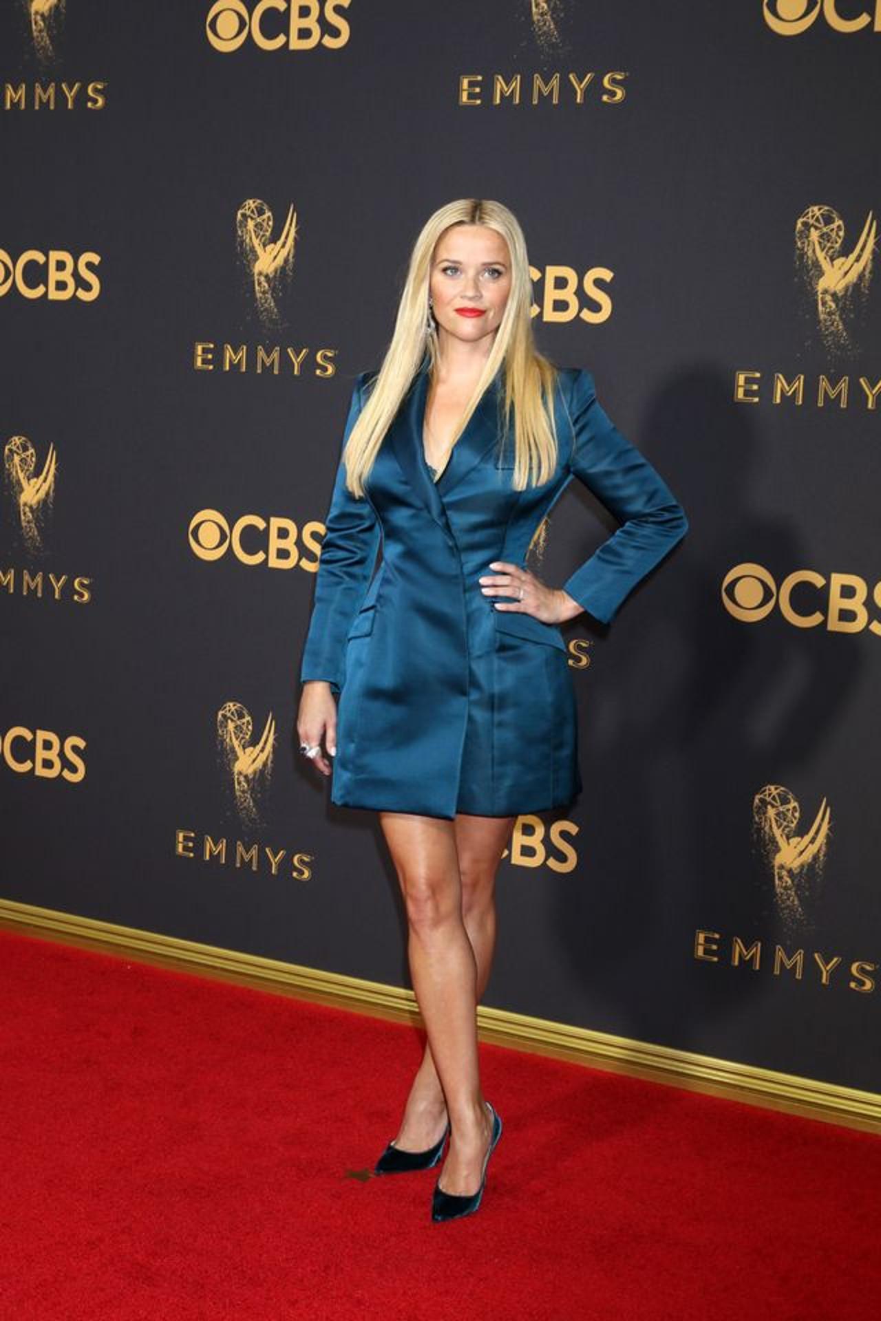 Reese Witherspoon na czerwonym dywanie.