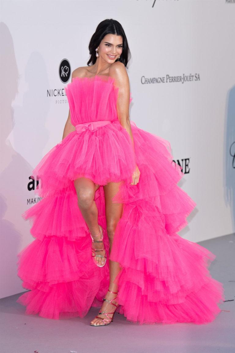 Kendall Jenner na ściance, Scott Garfitt / BACKGRID / Backgrid UK / Forum