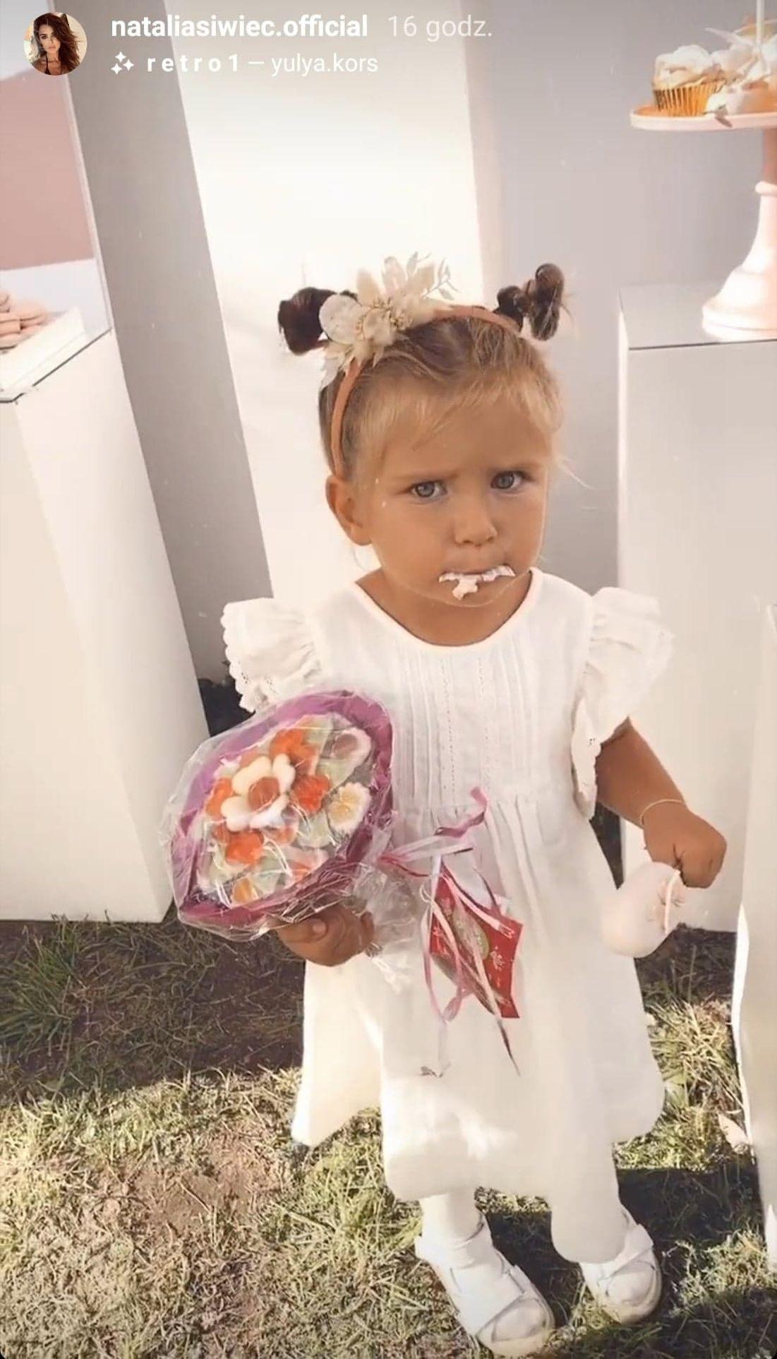 Mia Raduszewska na swoich urodzinach