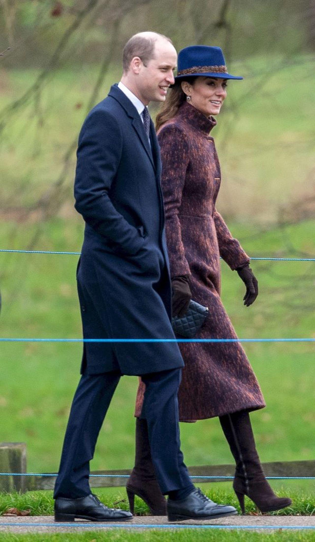 Książę William i księżna Kate w płaszczach