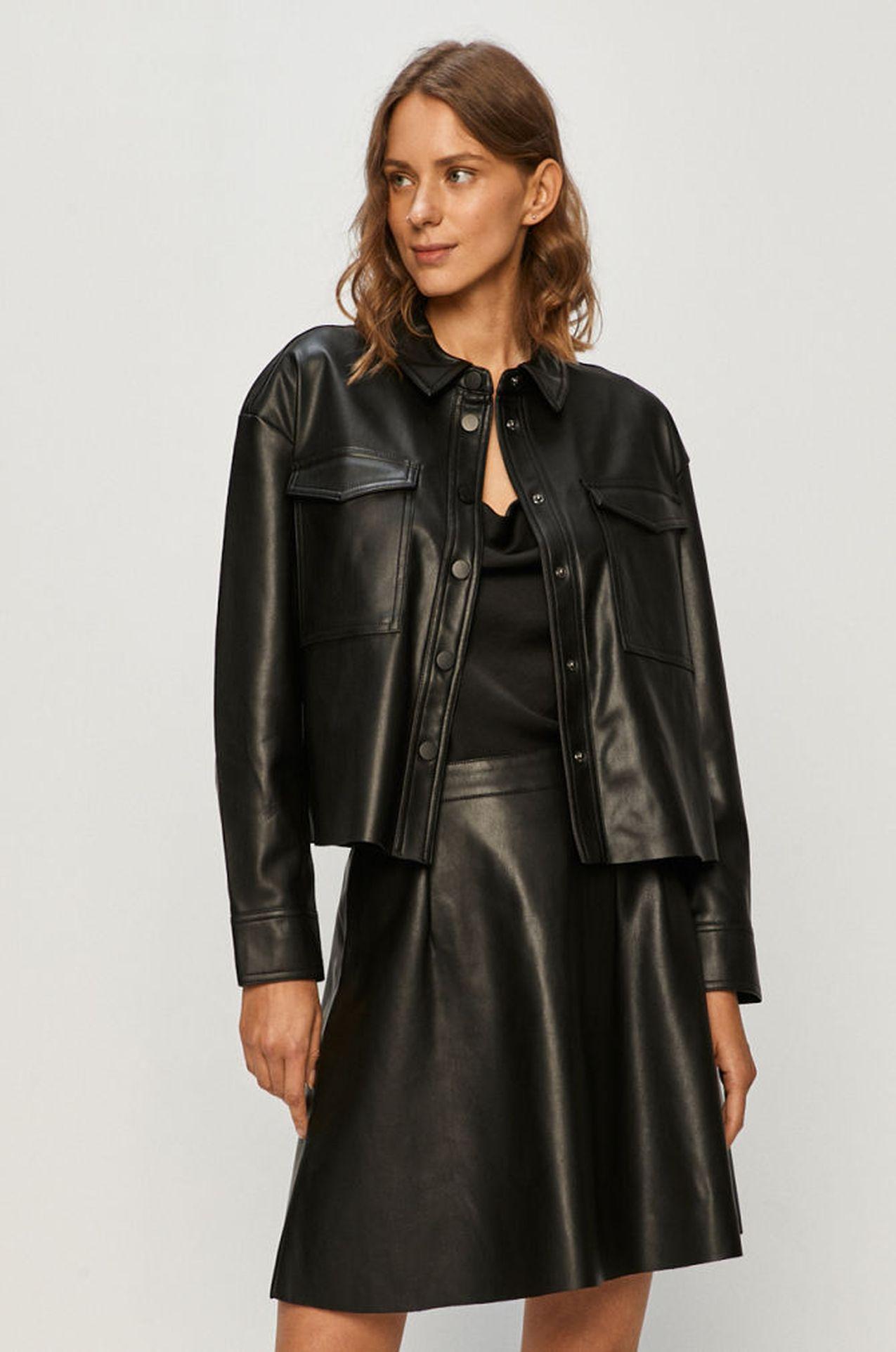 Czarna kurtka ze skóry