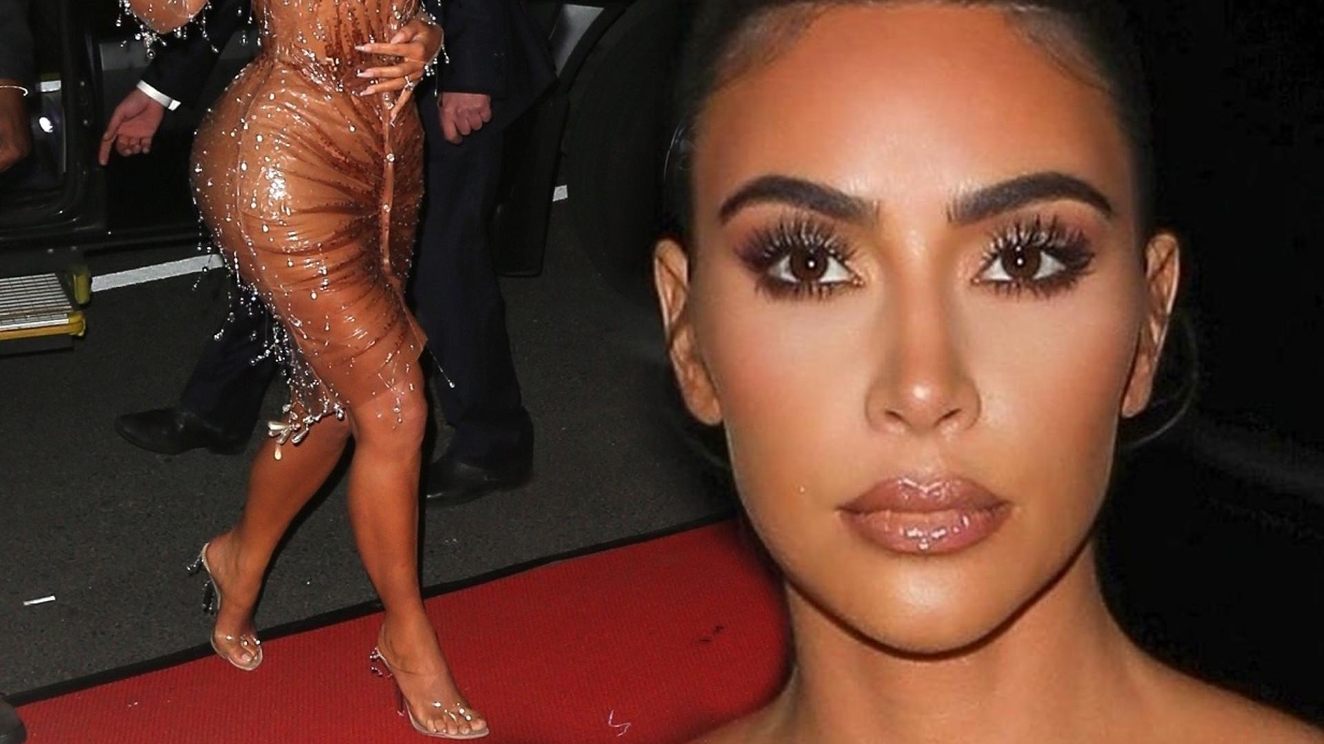 Kim Kardashian udowadnia, że NIE MA 6 palców u stóp