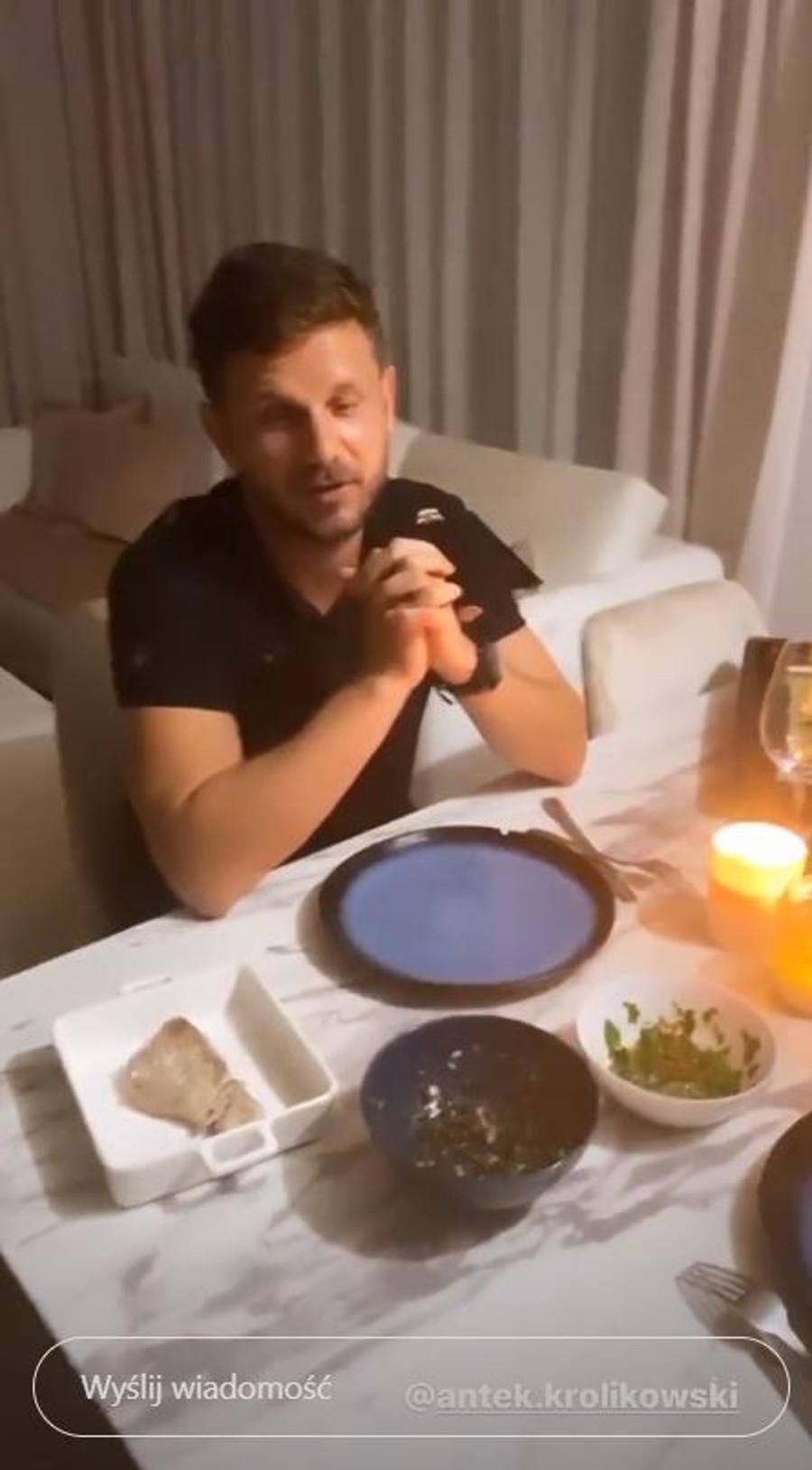 Antek Królikowski zachwycony kolacją przygotowaną przez Joannę.