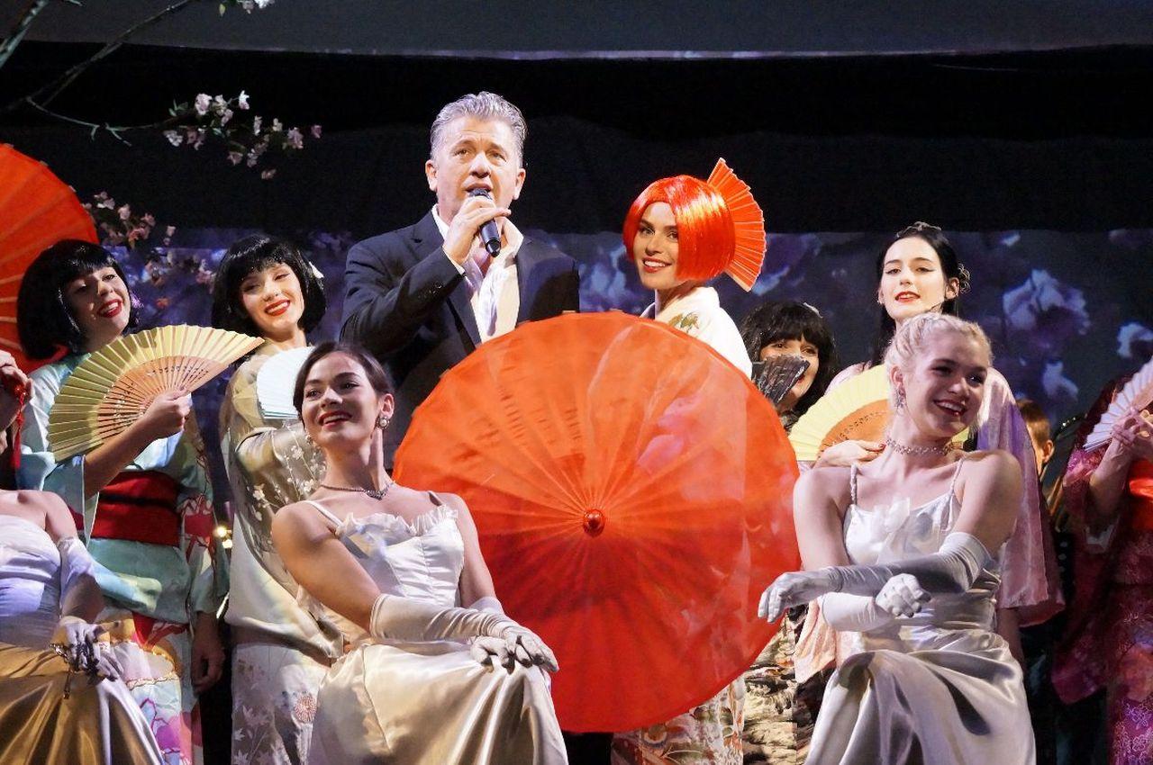 Natasza Urbańska w teatrze Buffo