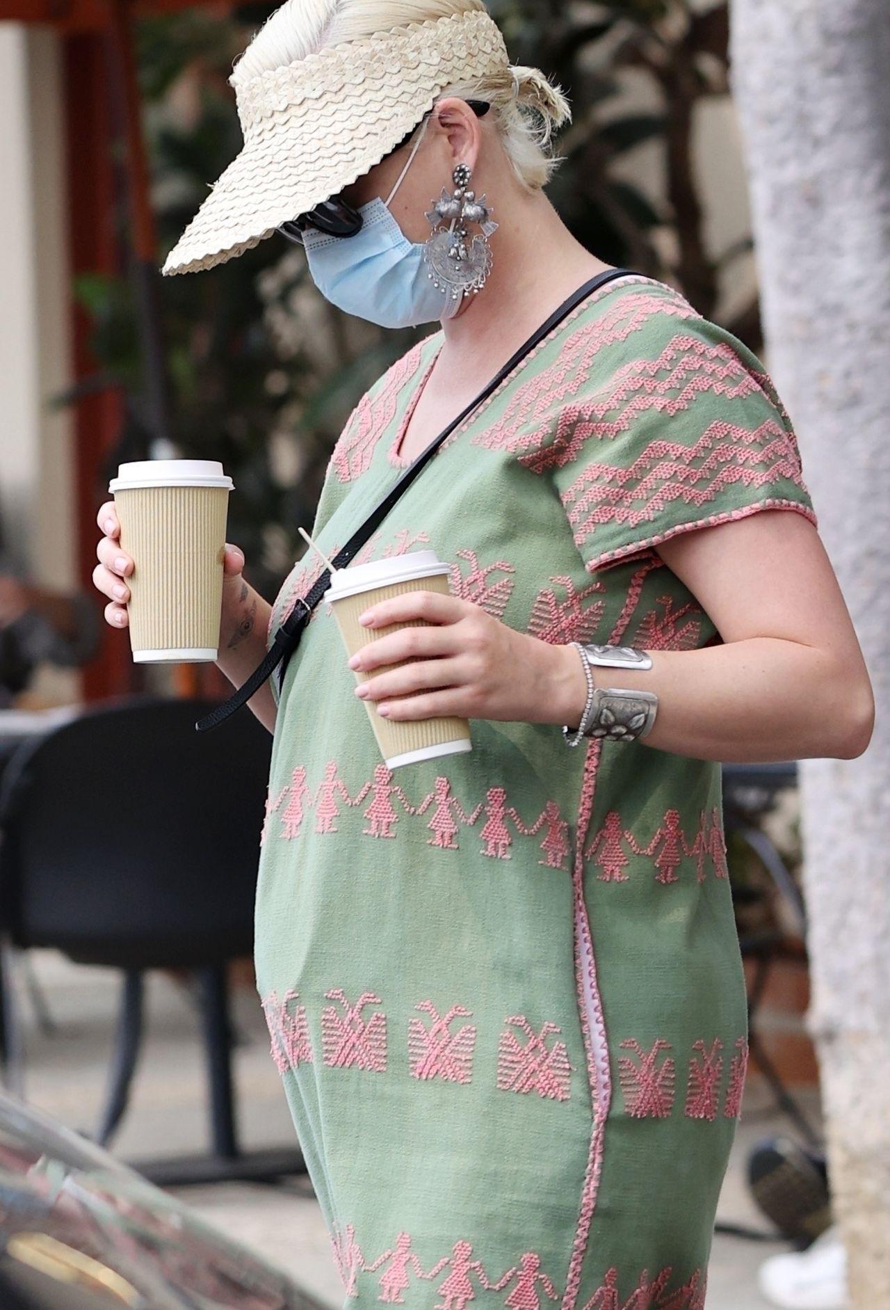 Katy Perry w drodze z kawiarni