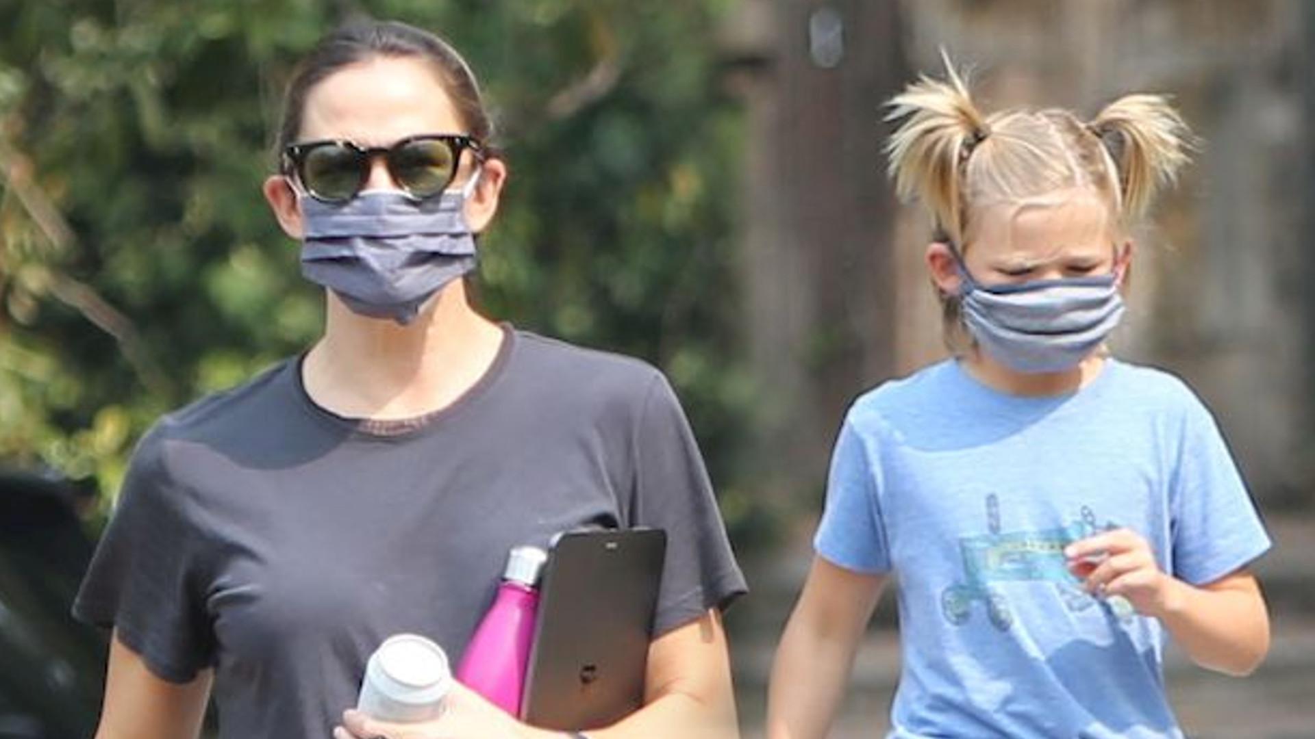 Syn Jennifer Garner i Bena Afflecka zadebiutował w nowej fryzurze – nosi dwa kucyki (ZDJĘCIA)