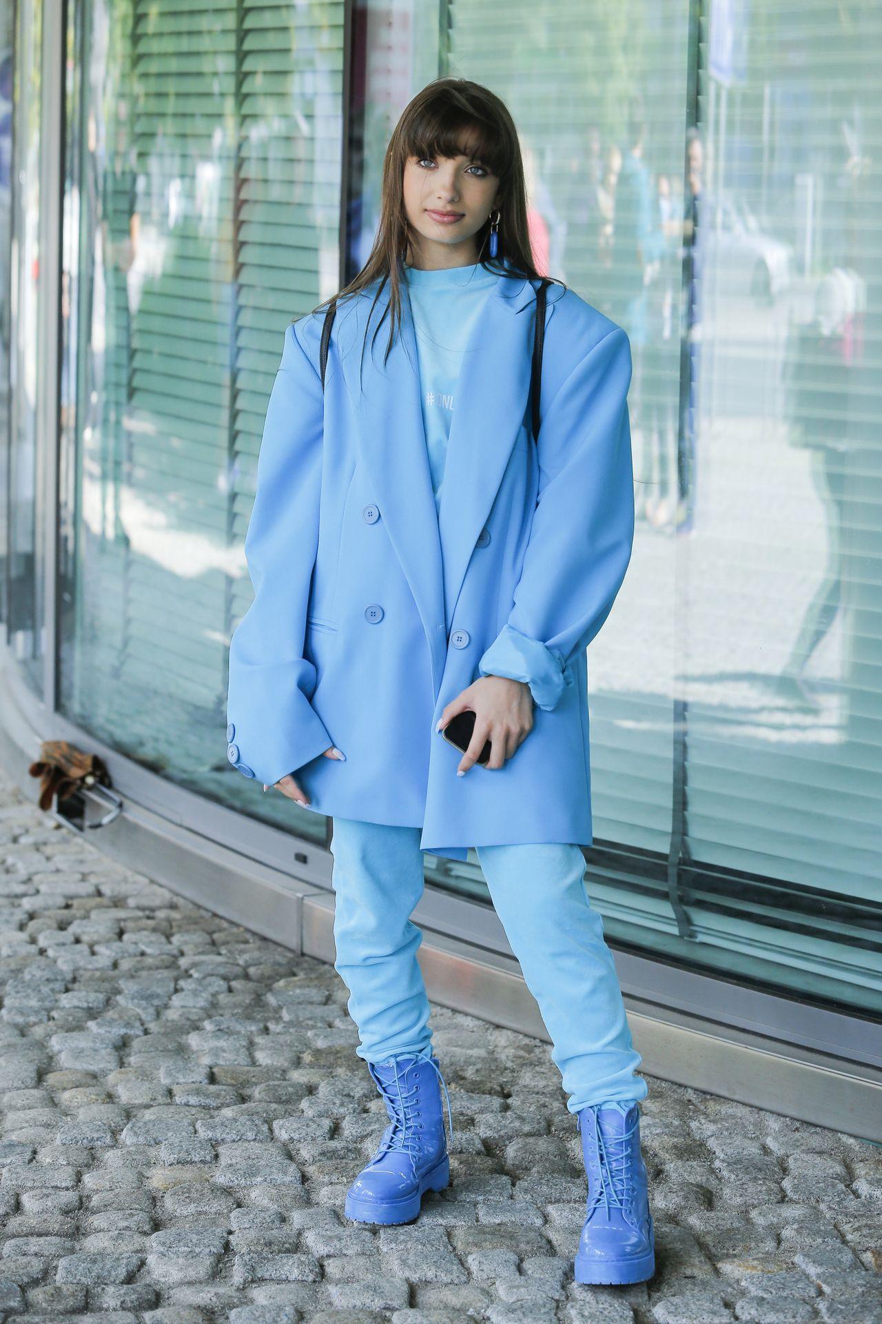 Viki Gabor w niebieskiej stylizacji