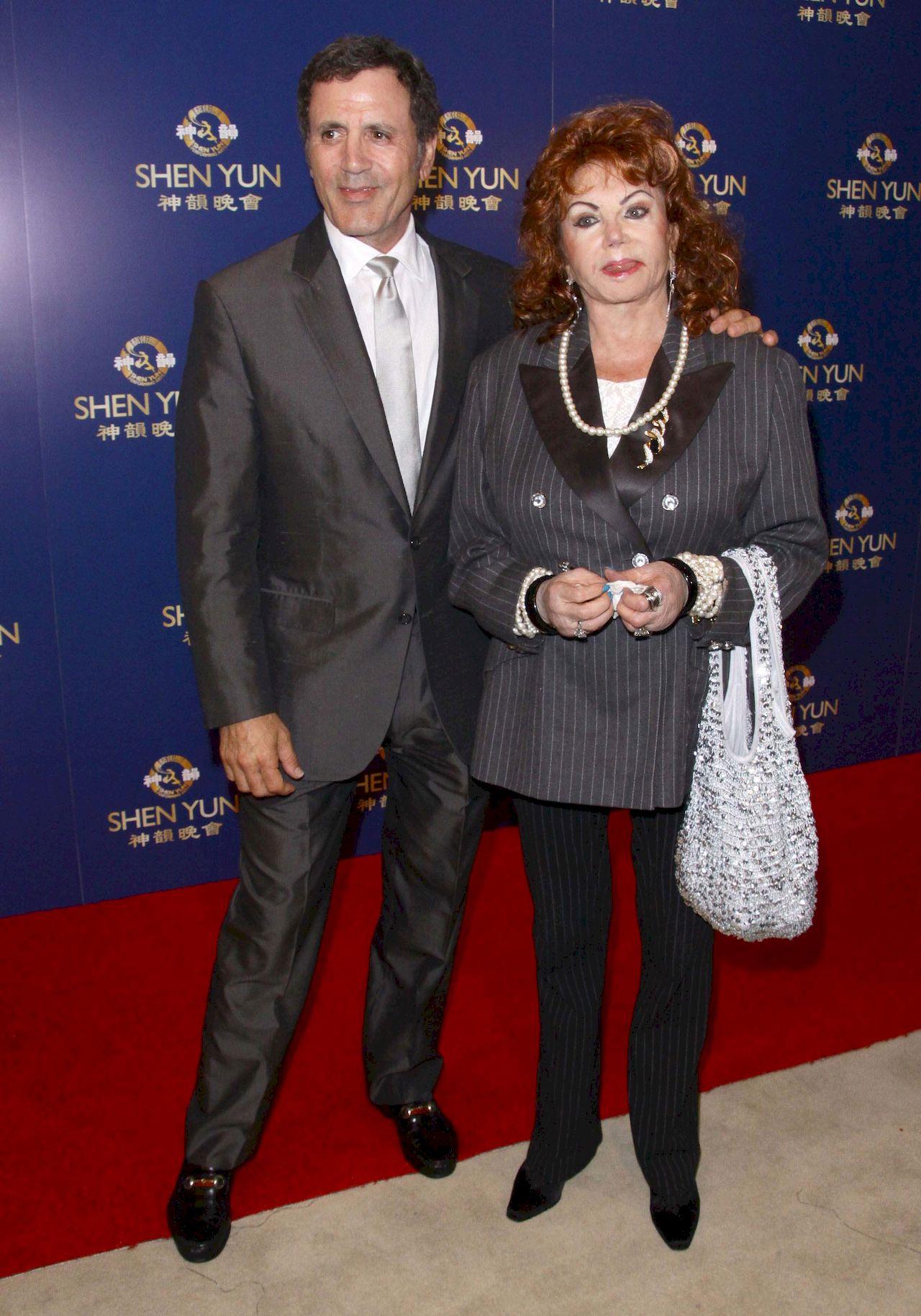 Jackie Stallone z synem na premierze