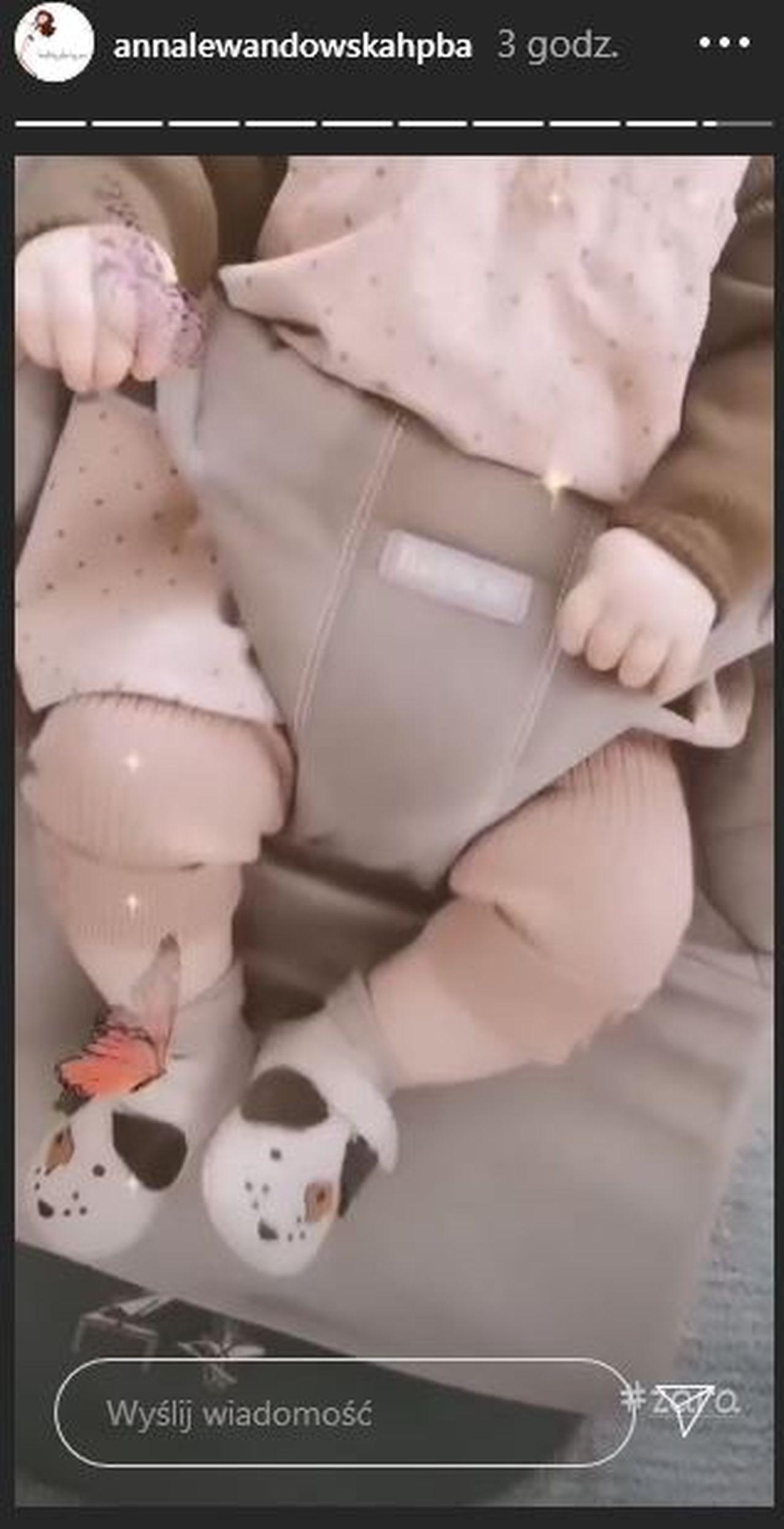 Laura Lewandowska w bucikach z Zary