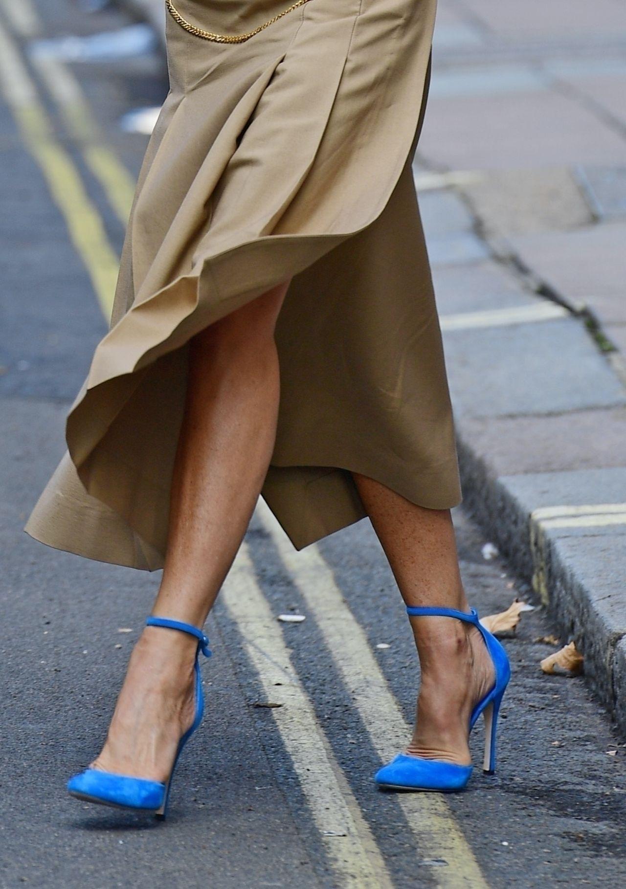 Victoria Beckham założyła niebieskie szpilki