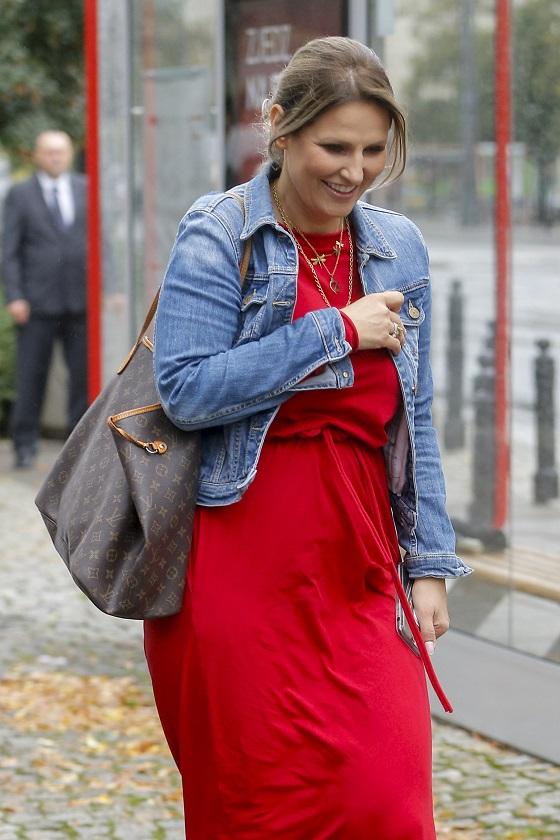 Dominika Tajner w czerwonej sukience