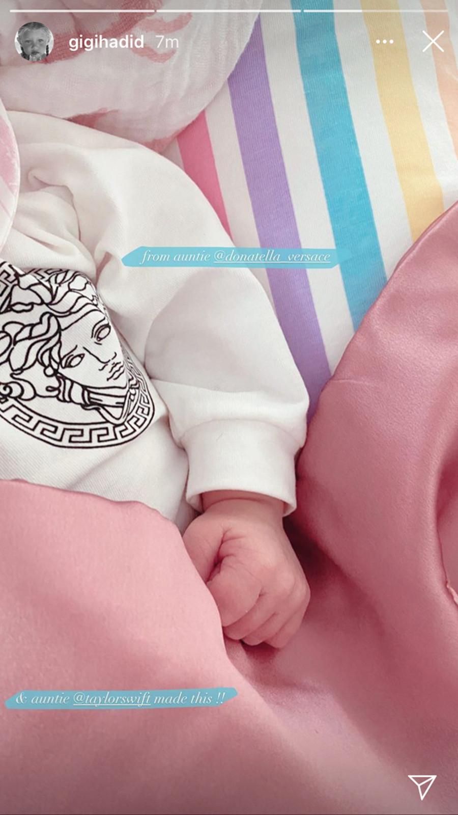 Gigi Hadid opublikowała zdjęcie córki.