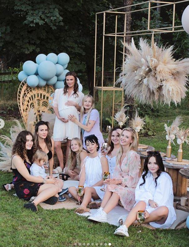 Baby shower Julii Kuczyńskiej, fot. Instagram @maffashion_official