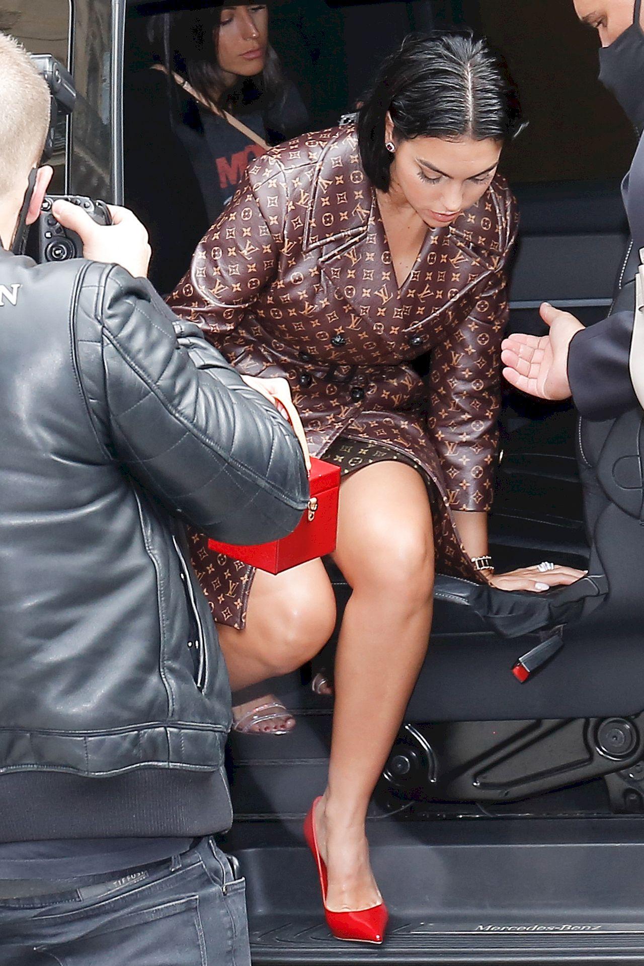 Georgina Rodriguez przybyła na paryski Fashion Week