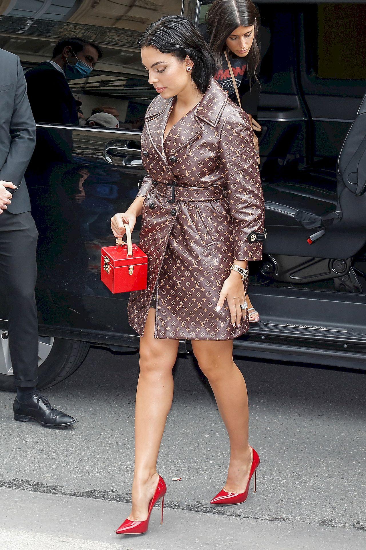 Georgina Rodriguez w płaszczu Louis Vuitton