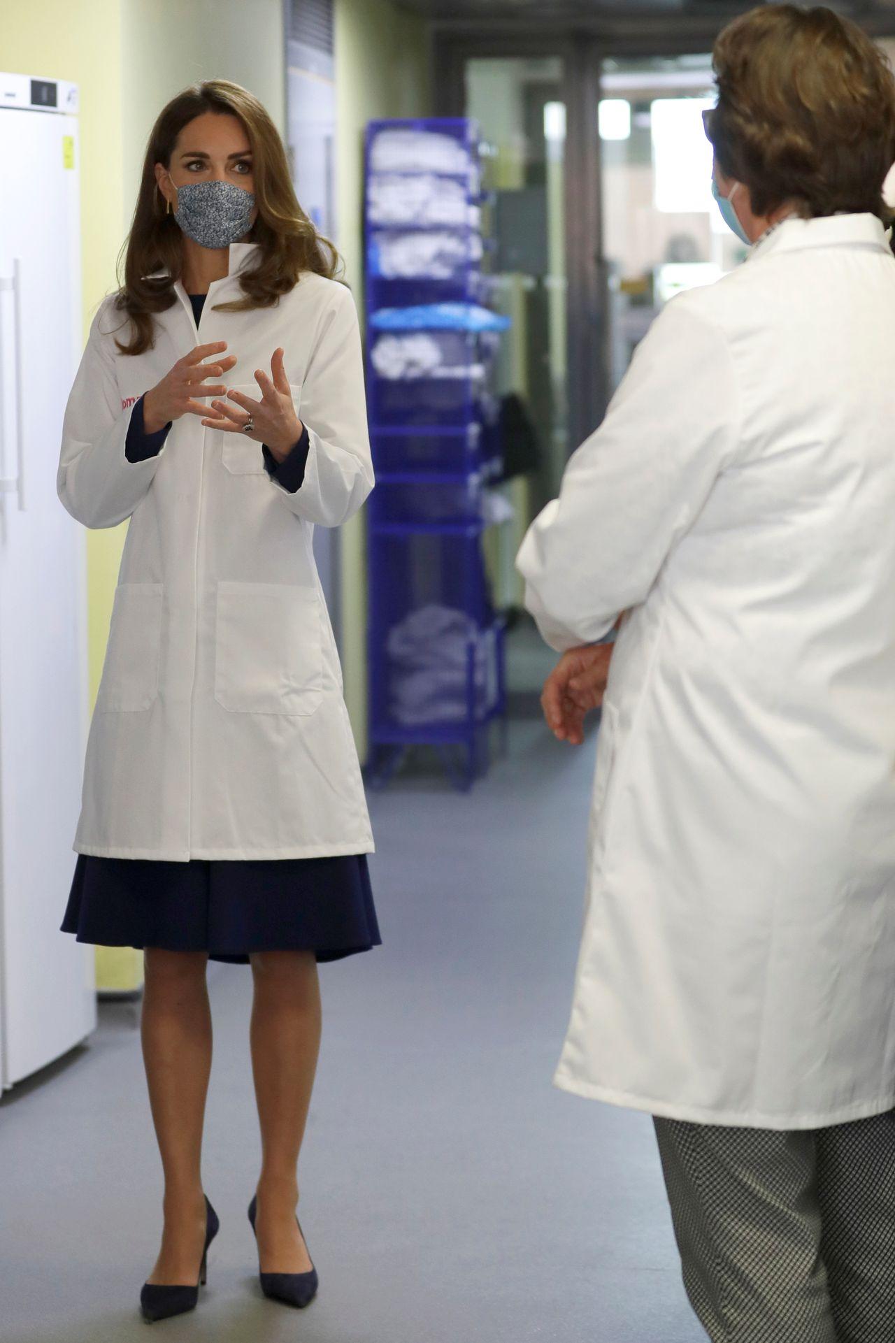 Księżna Kate w fartuchu
