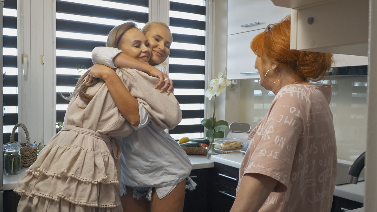 Iza Macudzińska z mamą i siostrą