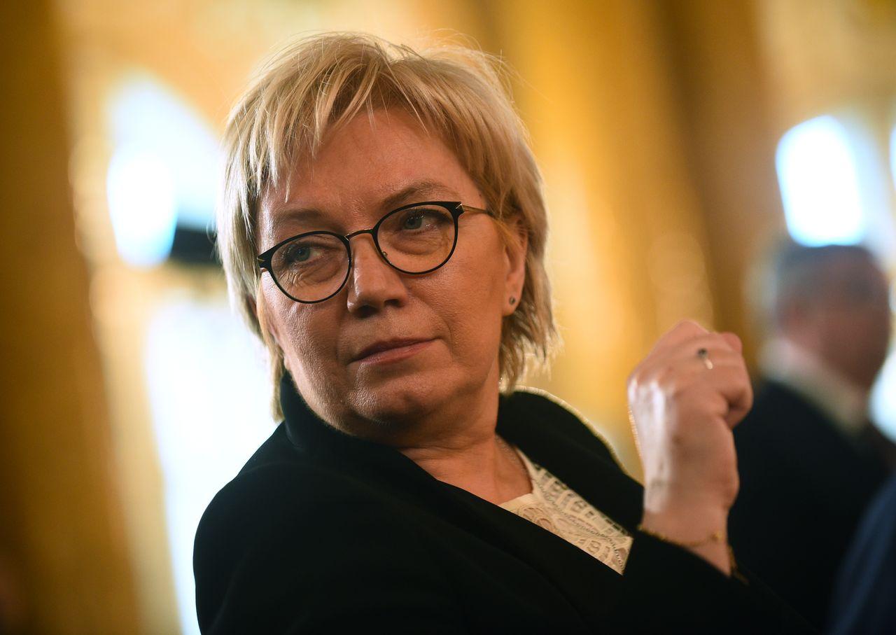 Julia Przyłębska w okularach