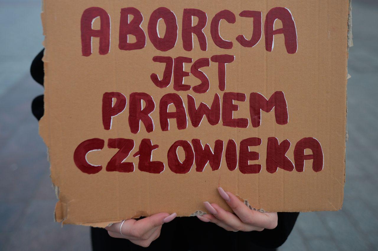 Transparent z hasłem o aborcji