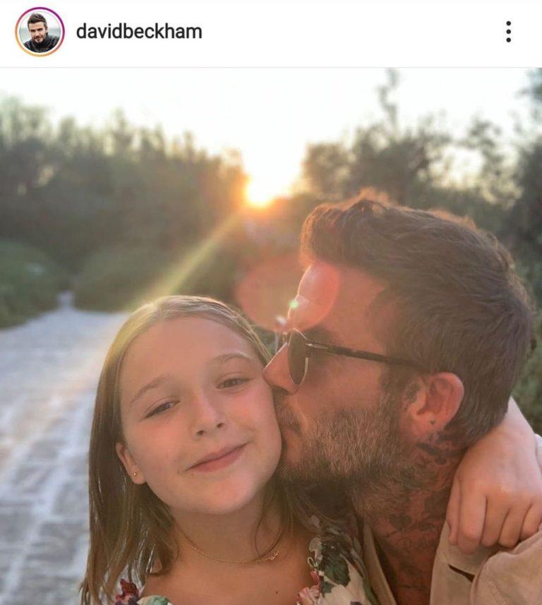 David Beckham całuje córkę w policzek