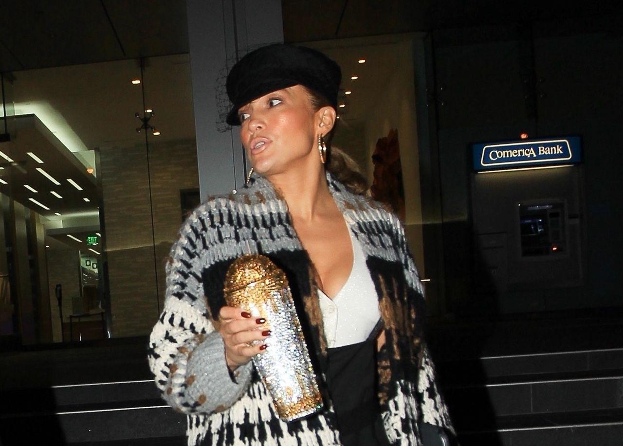 Jennifer Lopez z dużym dekoltem