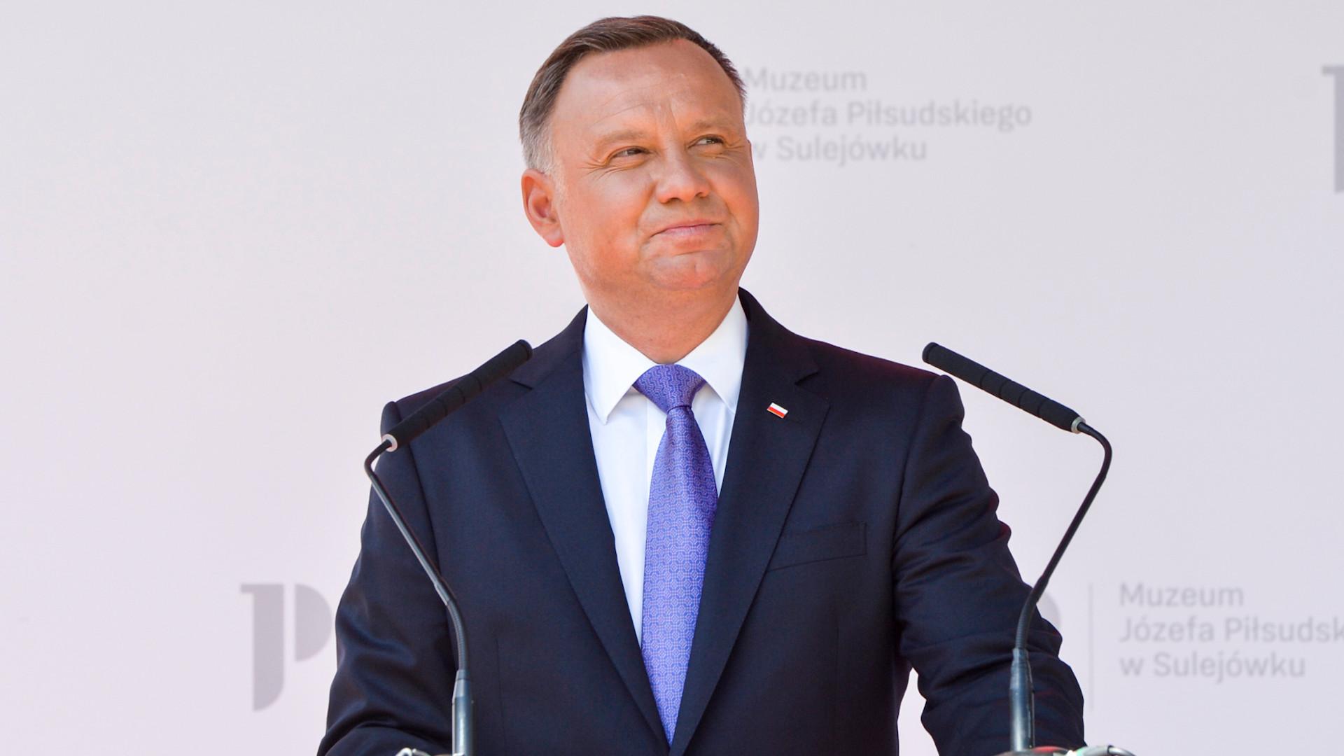 """Andrzej Duda ma KORONAWIRUSA. """"Jesteśmy w kontakcie z odpowiednimi służbami medycznymi"""""""