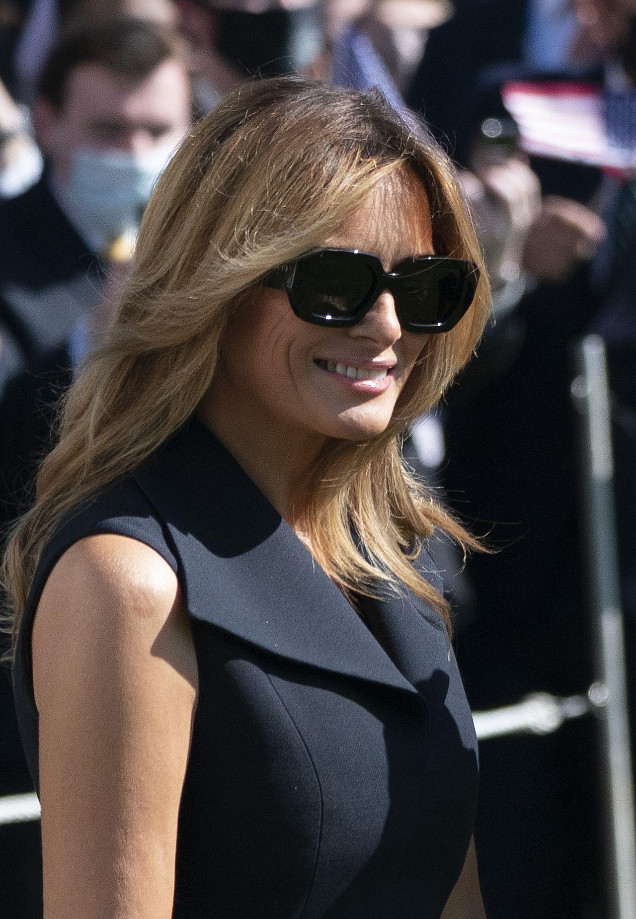 Uśmiechnięta Melania Trump