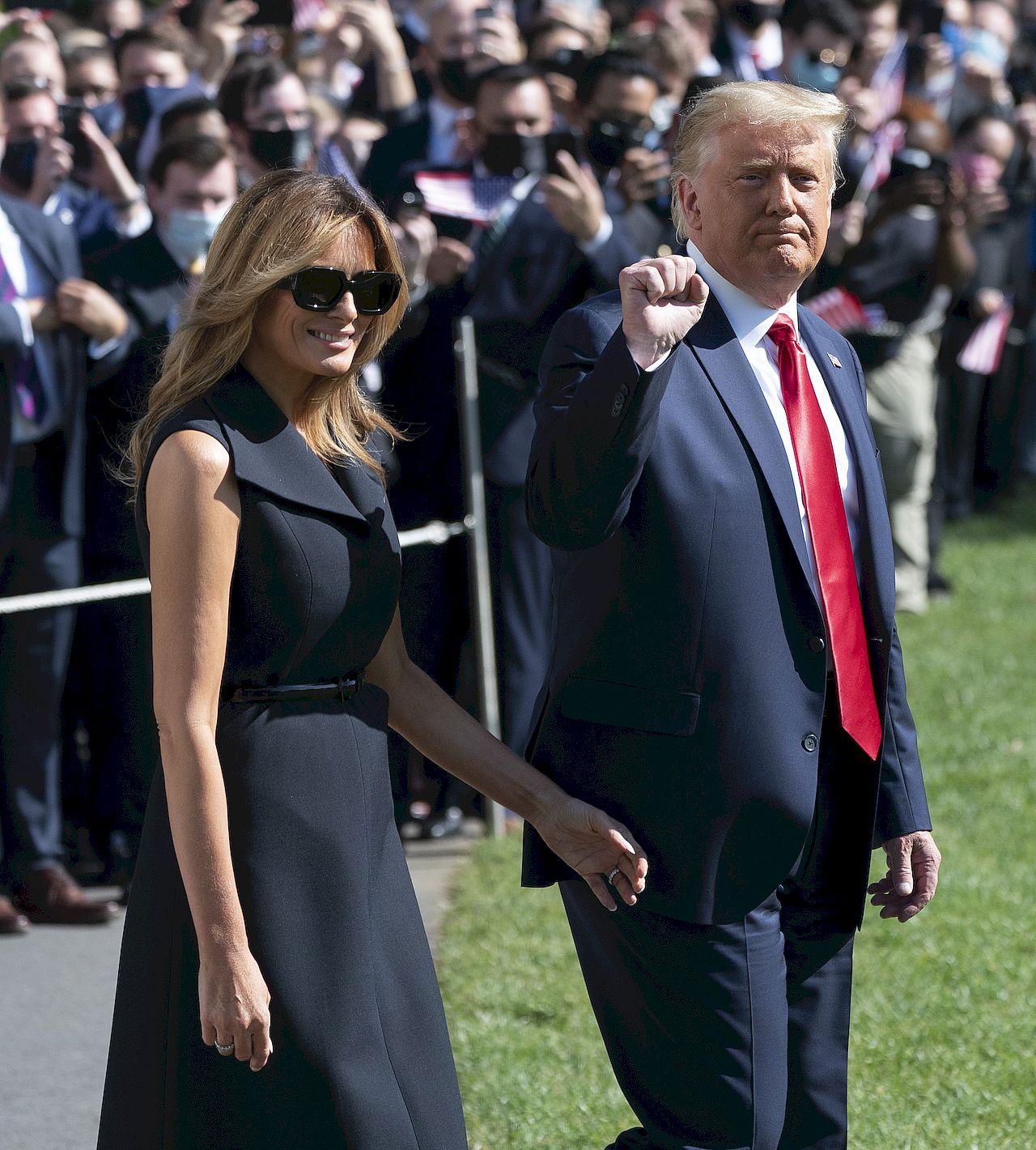 Melania Trump jest zastępowana przez sobowtór?