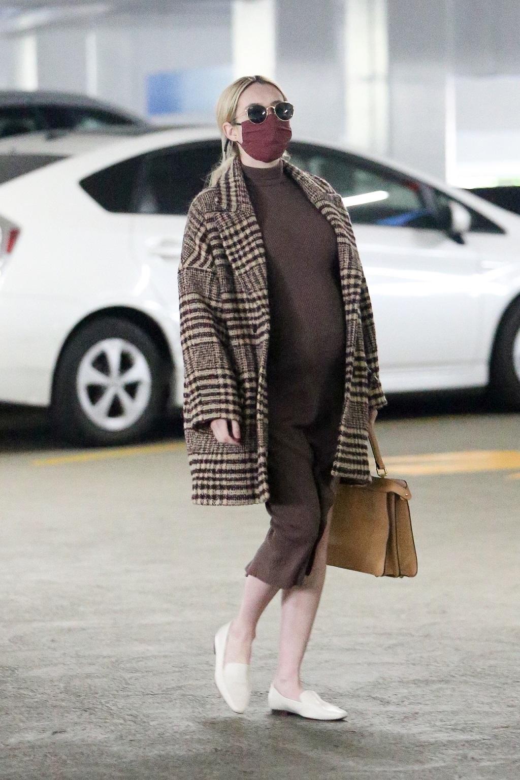 Emma Roberts w zaawansowanej ciąży.