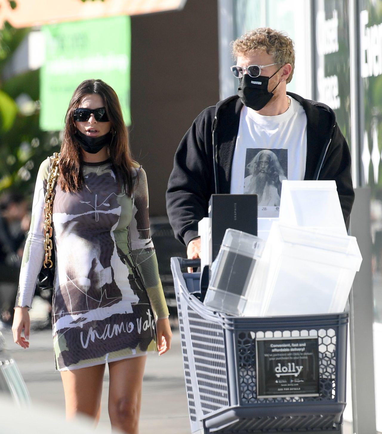 Emily Ratajkowski z mężem na zakupach