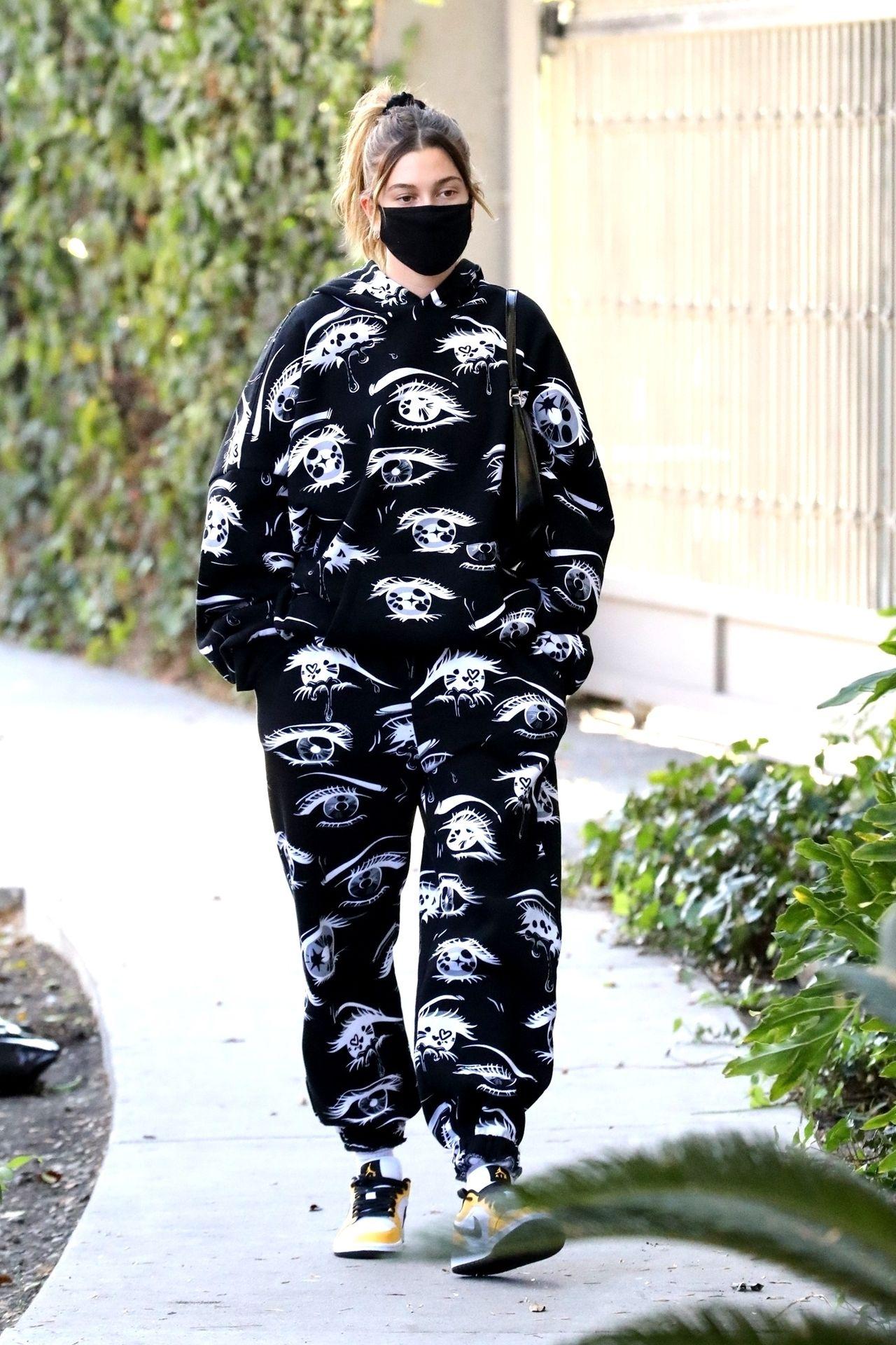 Hailey Bieber idzie na lunch