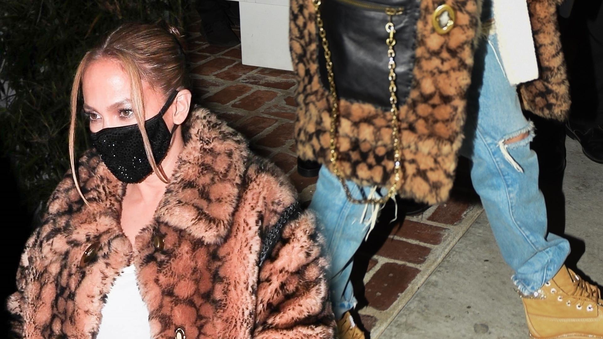 Jennifer Lopez sprawia, że zimowe stylizacje wyglądają SEXY (FOTO)
