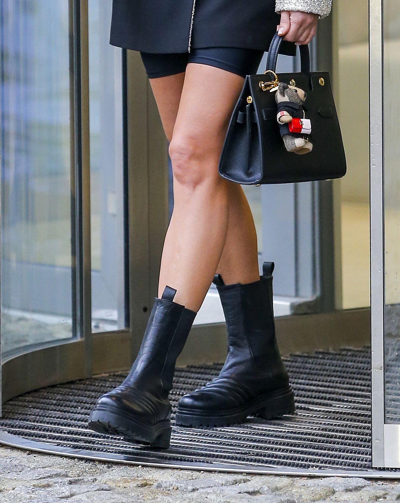 Małgorzata Rozenek wygrała modne buty w militarnym stylu