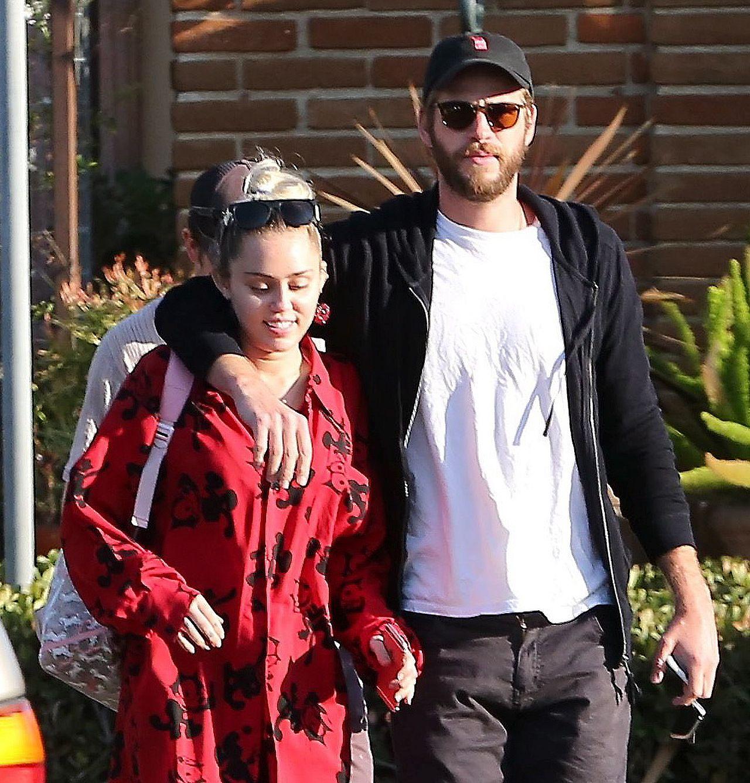 Miley Cyrus i Liam Hemsworth na zdjęciach paparazzi