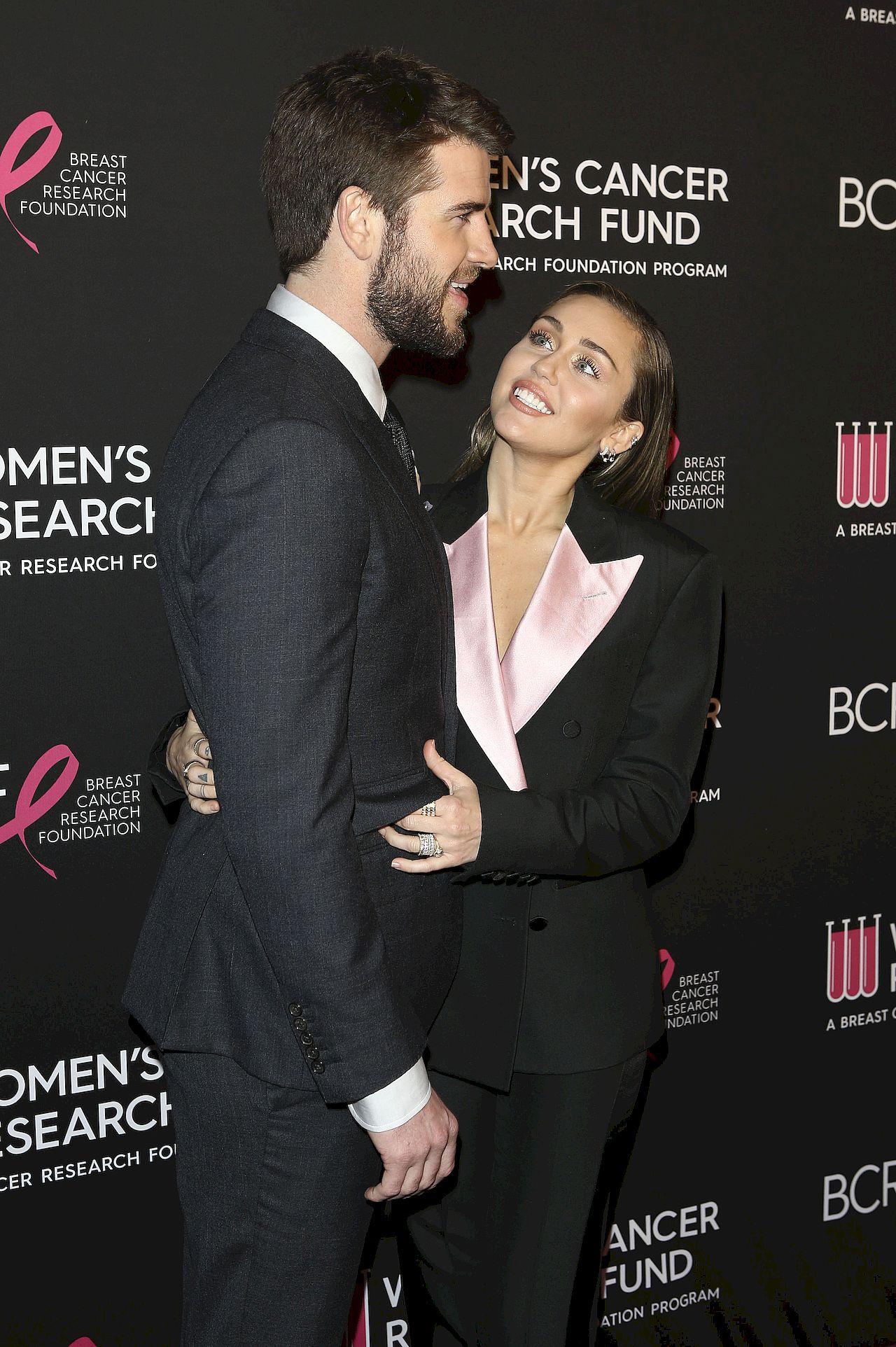 Miley Cyrus i Liam Hemsworth, gdy byli małżeństwem