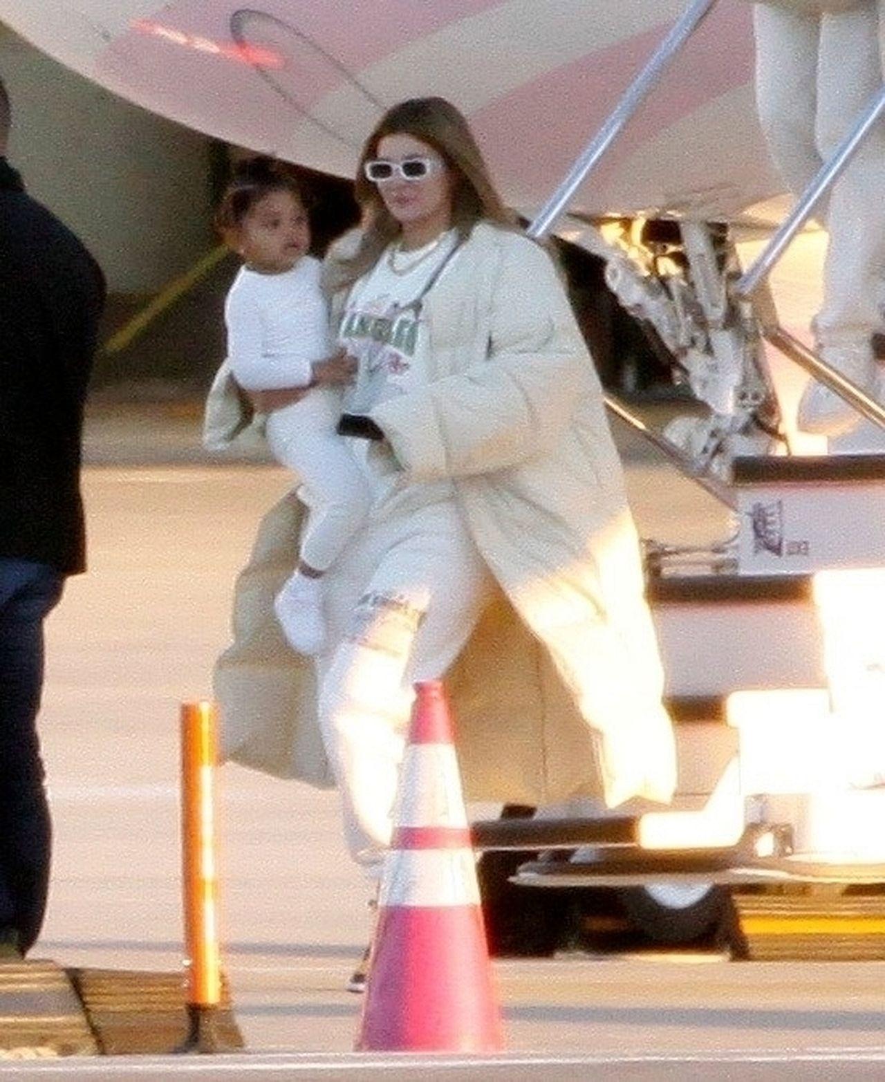 Kylie Jenner lata prywatnym odrzutowcem