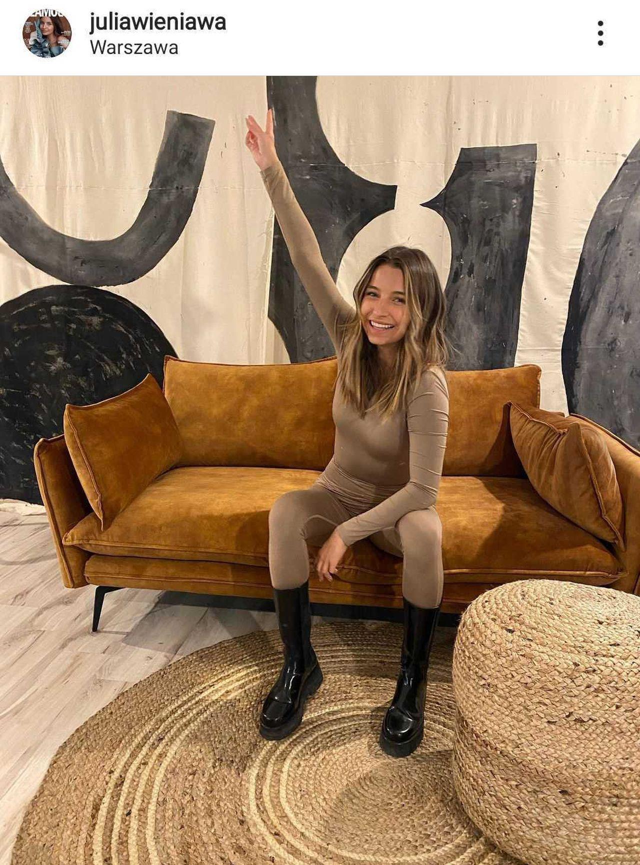 Julia Wieniawa w biurze