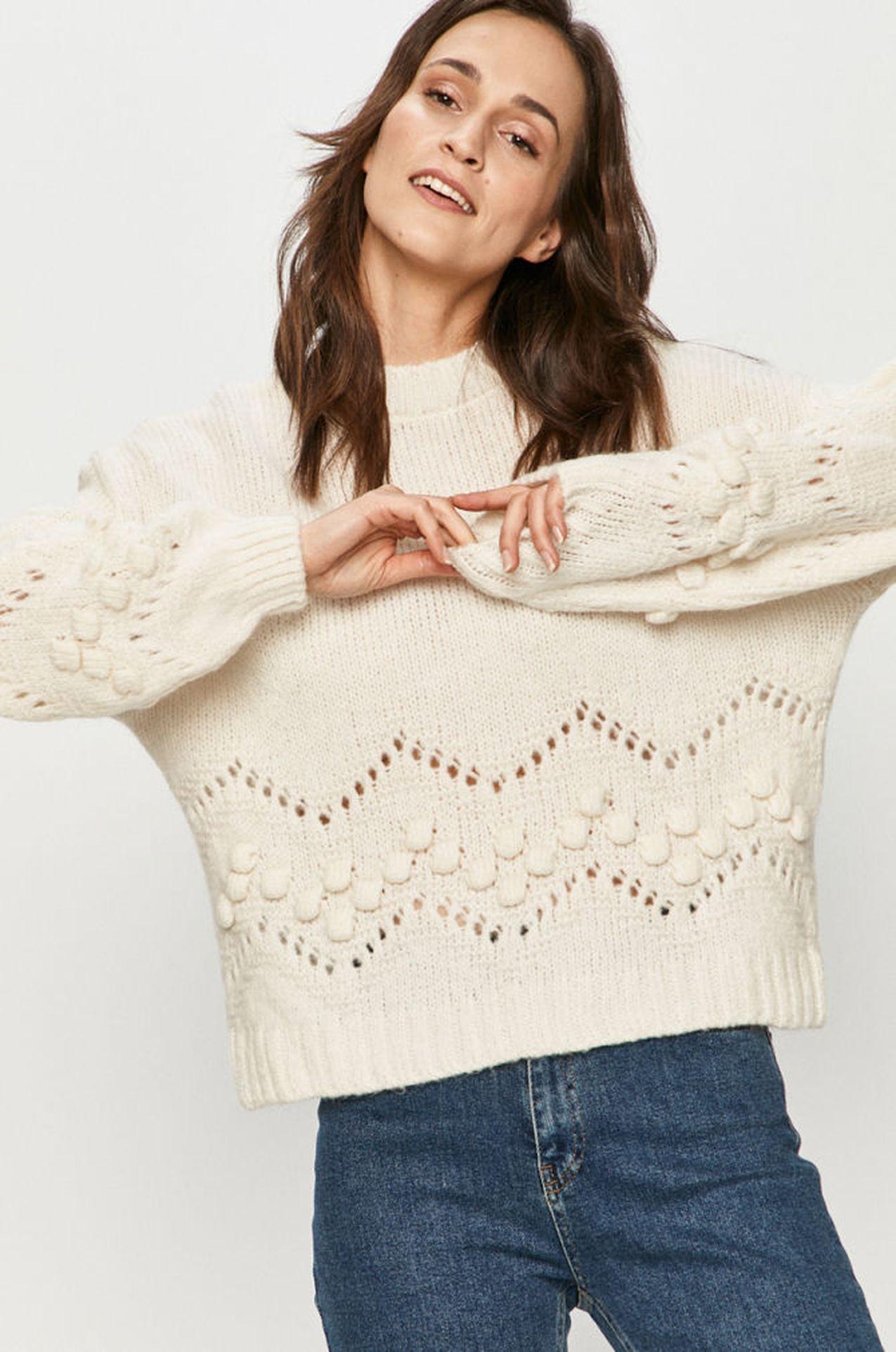 Sweter z ażurkowym akcentem