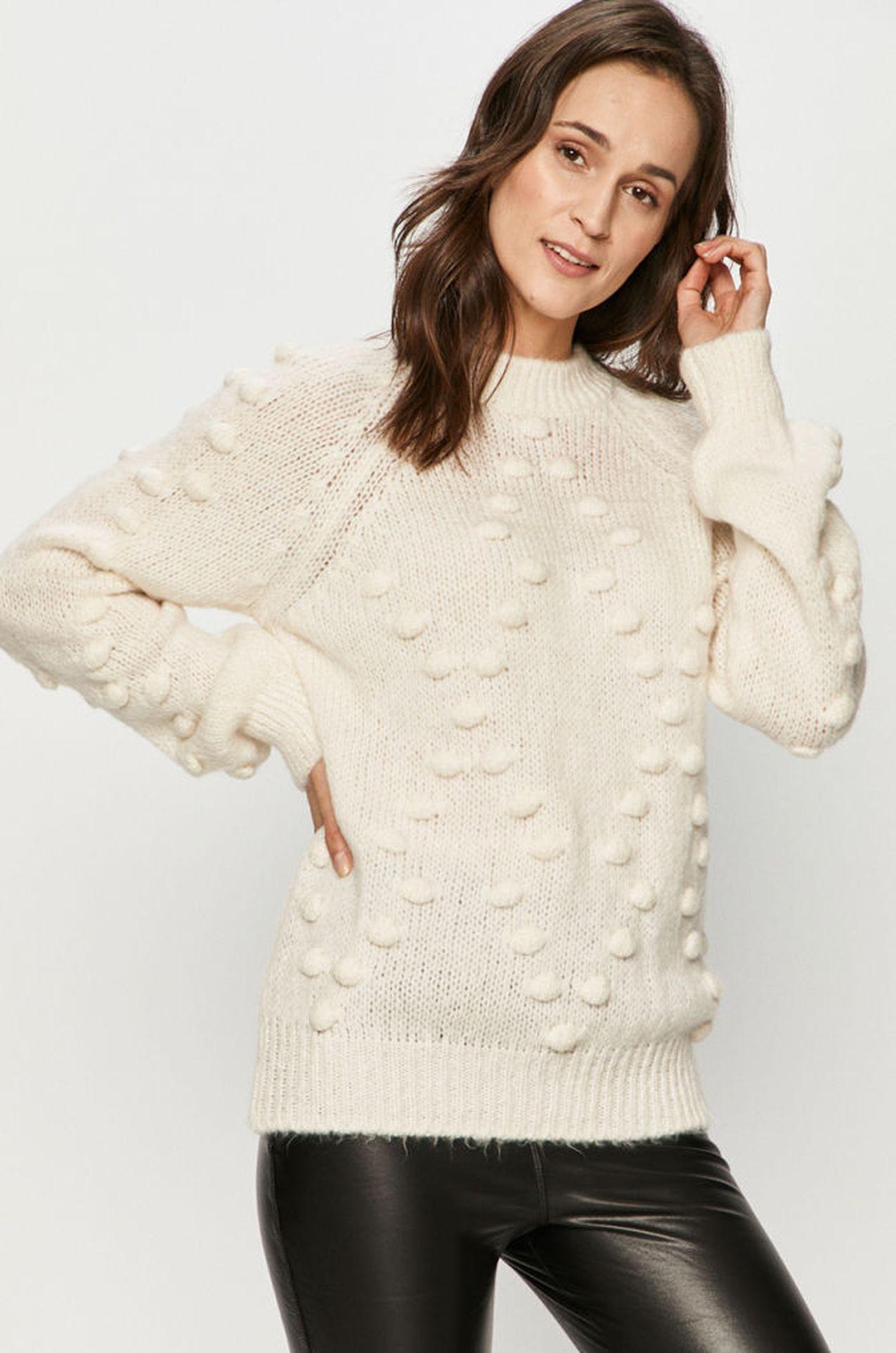 Sweter z ozdobnym splotem