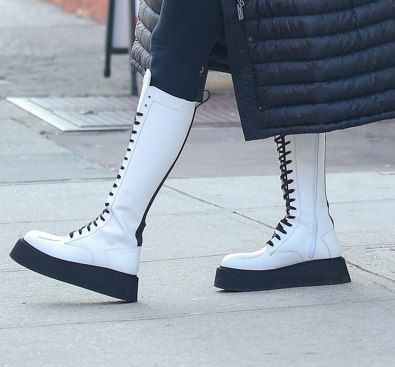 Buty Iriny Shayk rzucały się w oczy