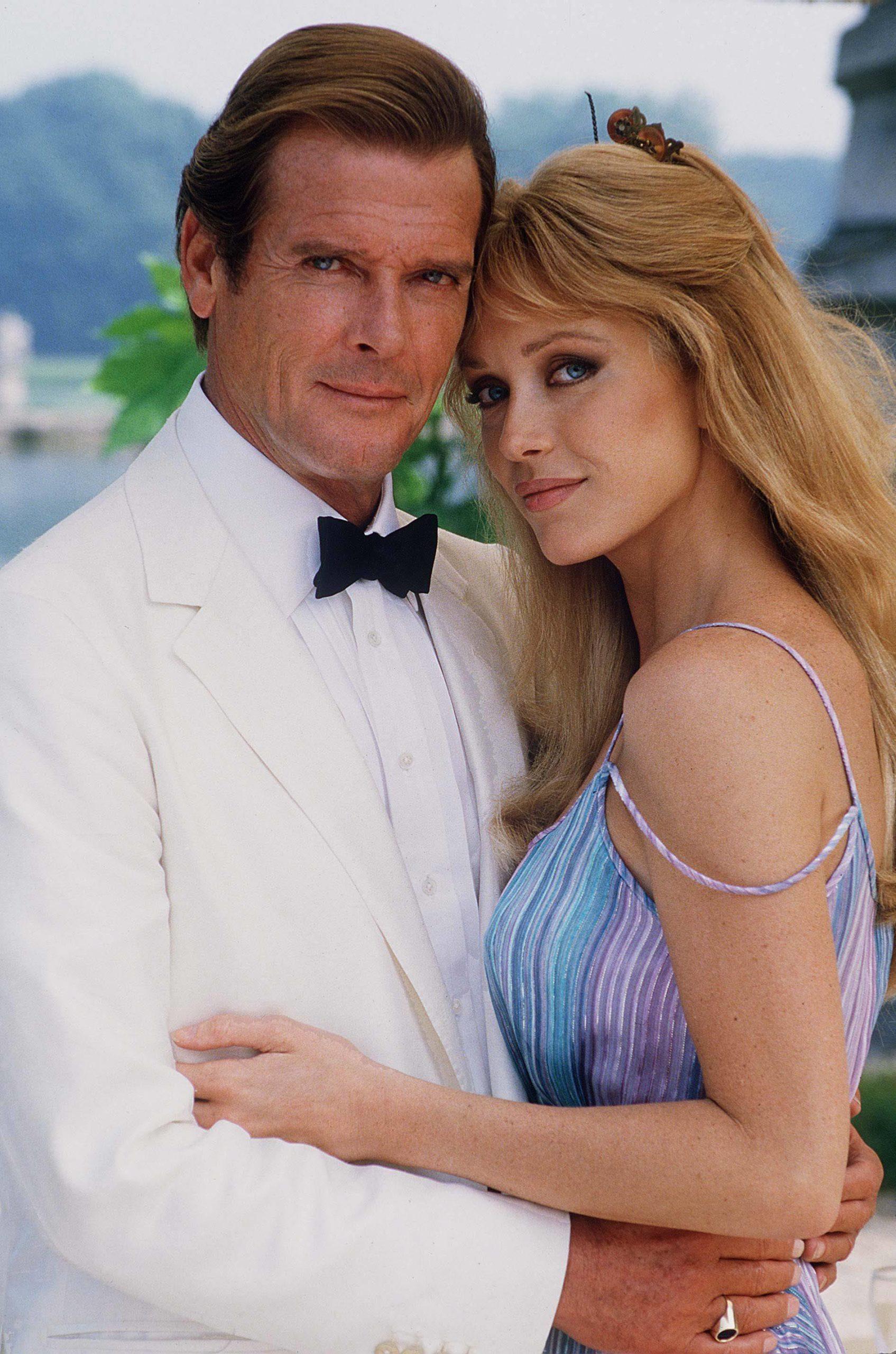 Tanya Roberts i Roger Moore