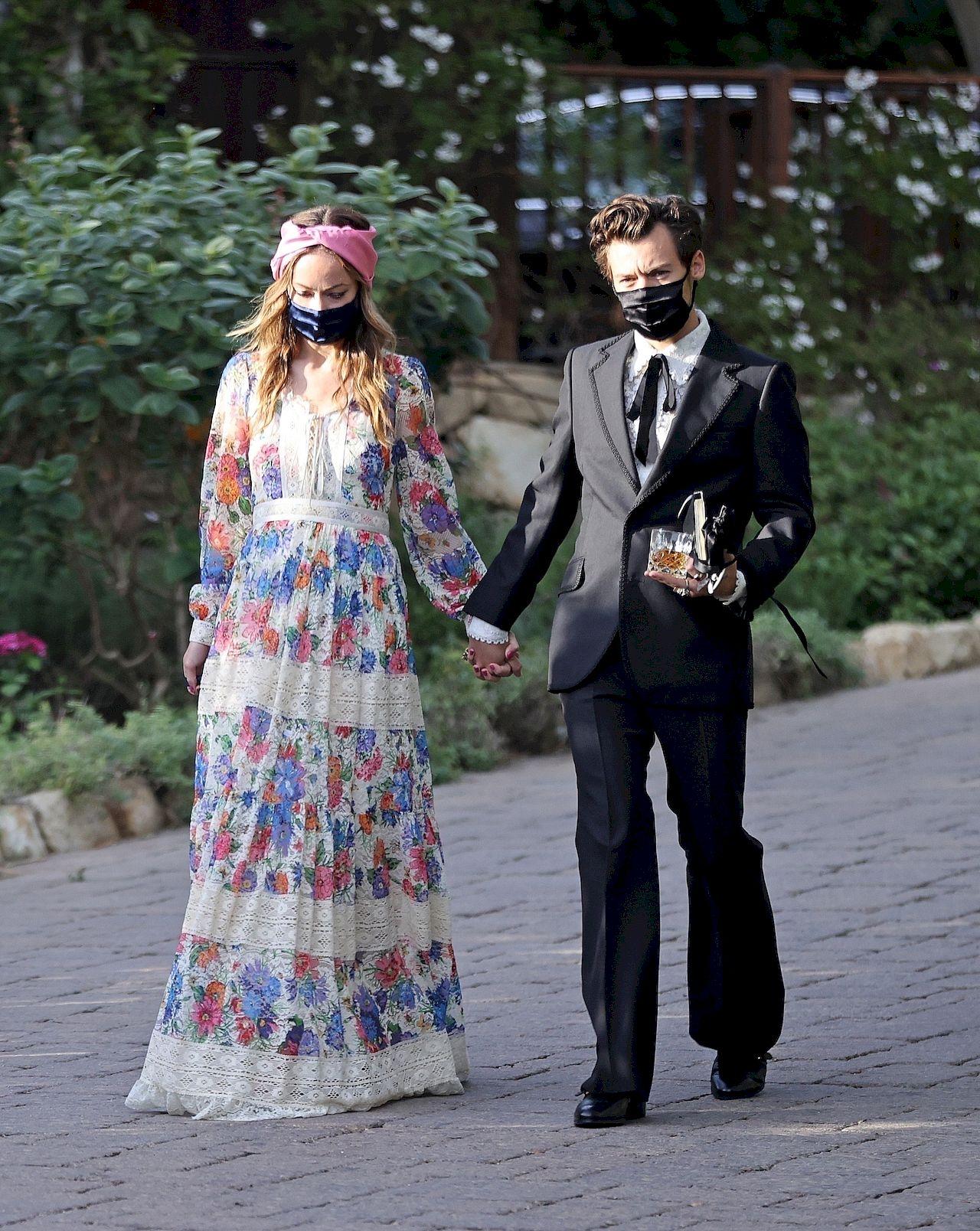 Harry Styles i Olivia Wilde na ślubie agenta muzyka