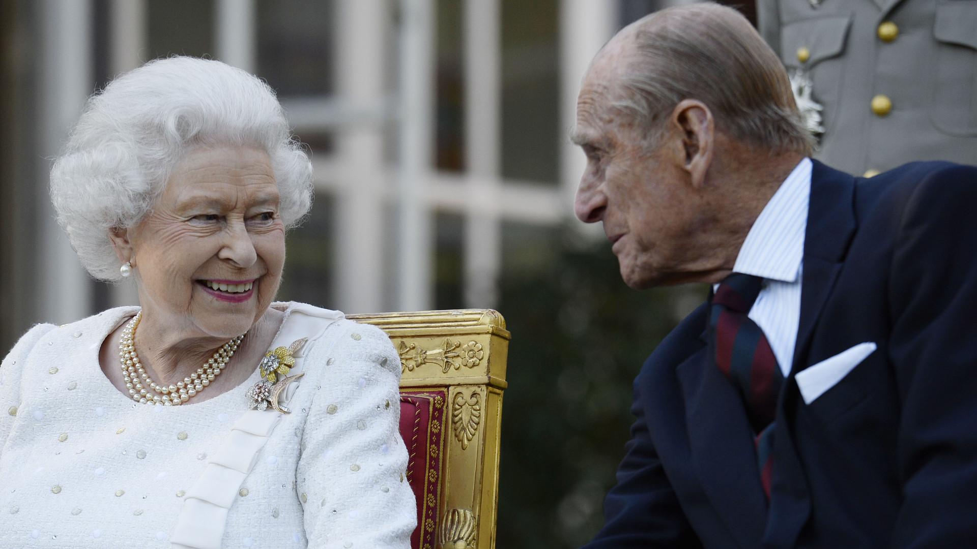 Królowa Elżbieta i książę Filip już zaszczepili się na COVID-19!