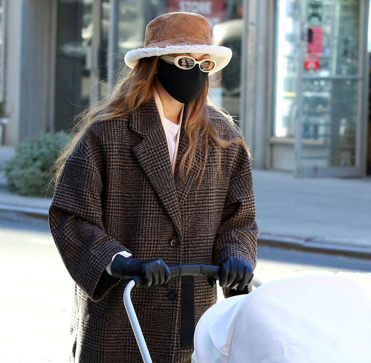Gigi Hadid na spacerze w Nowym Jorku
