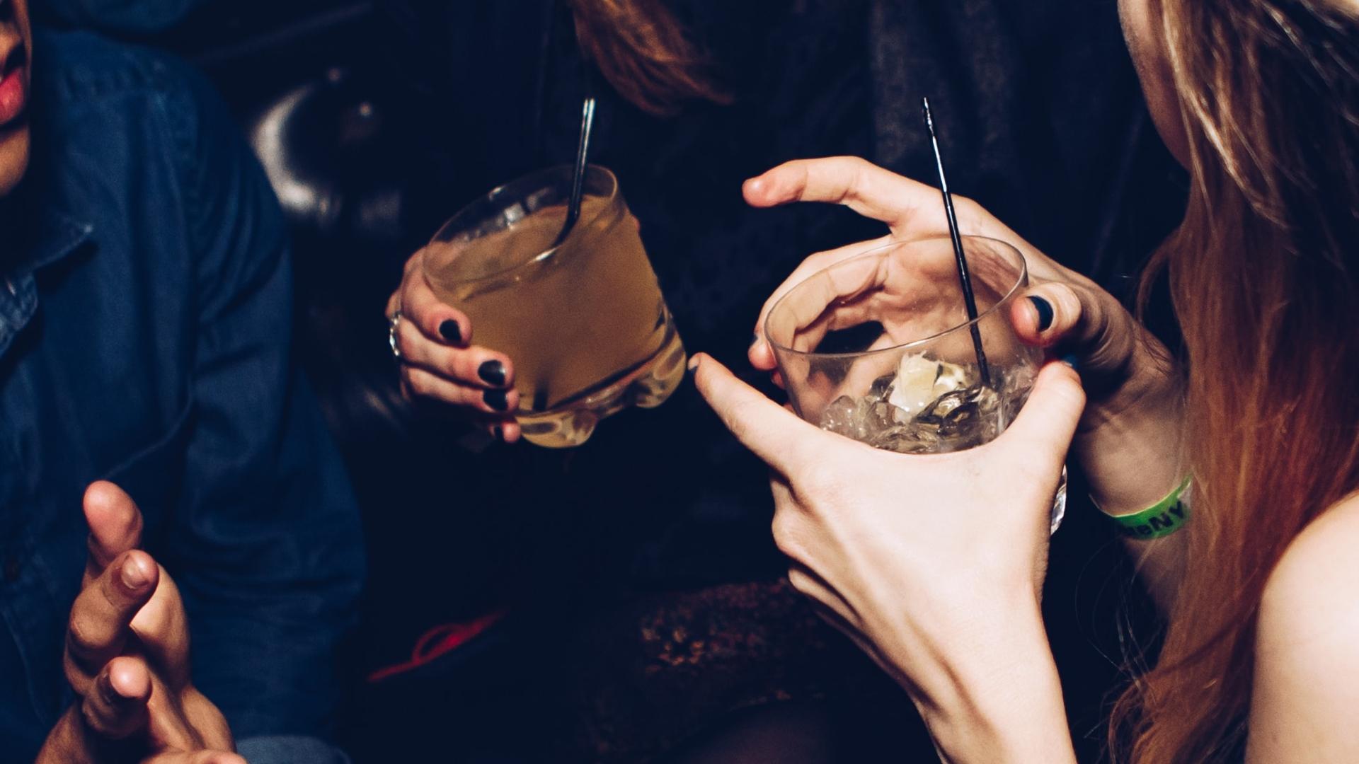 Najmodniejsze drinki 2021 roku? Są inspirowane światowymi stolicami